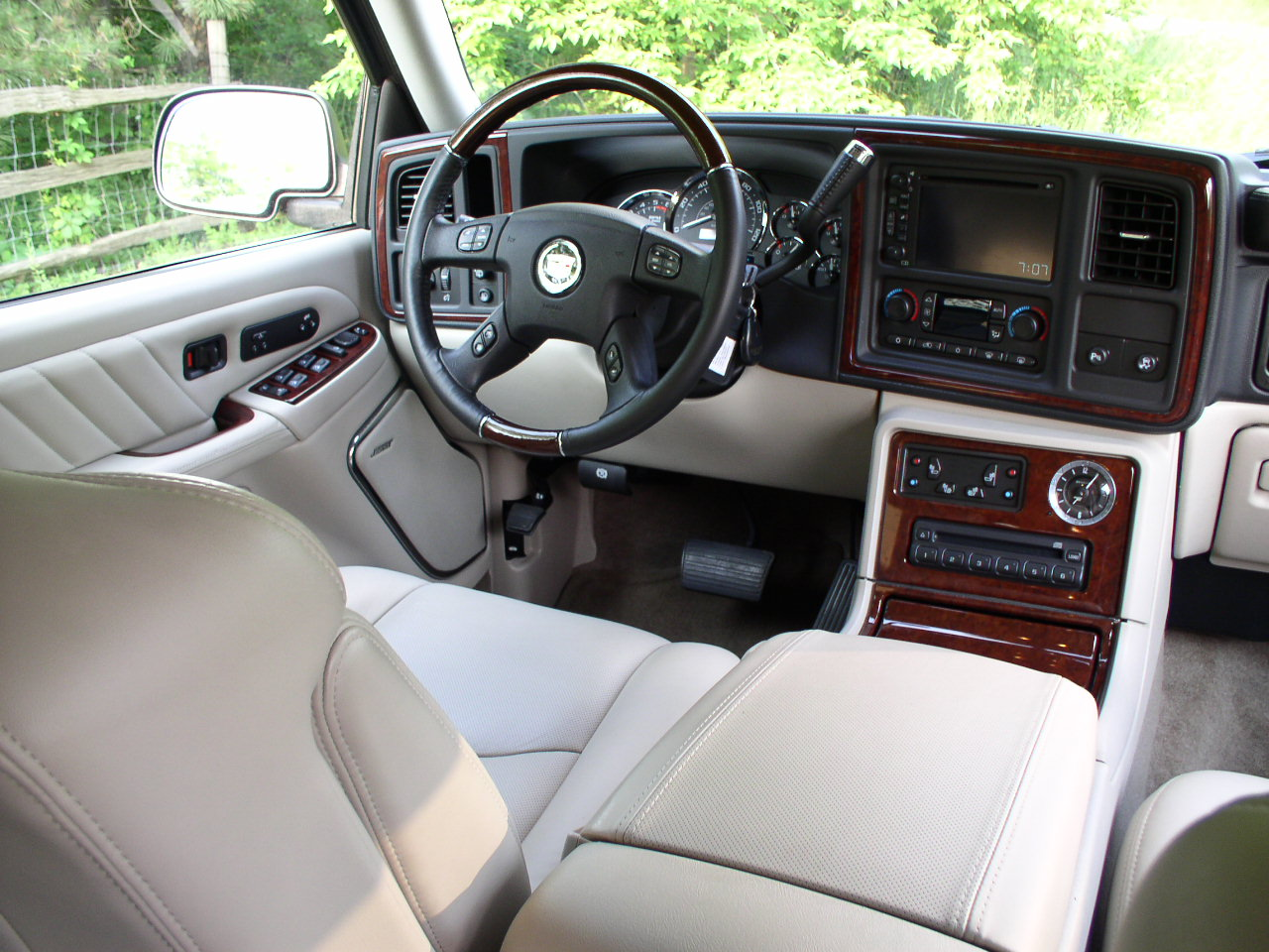 A Photo History Of The Cadillac Escalade Gmpartonline