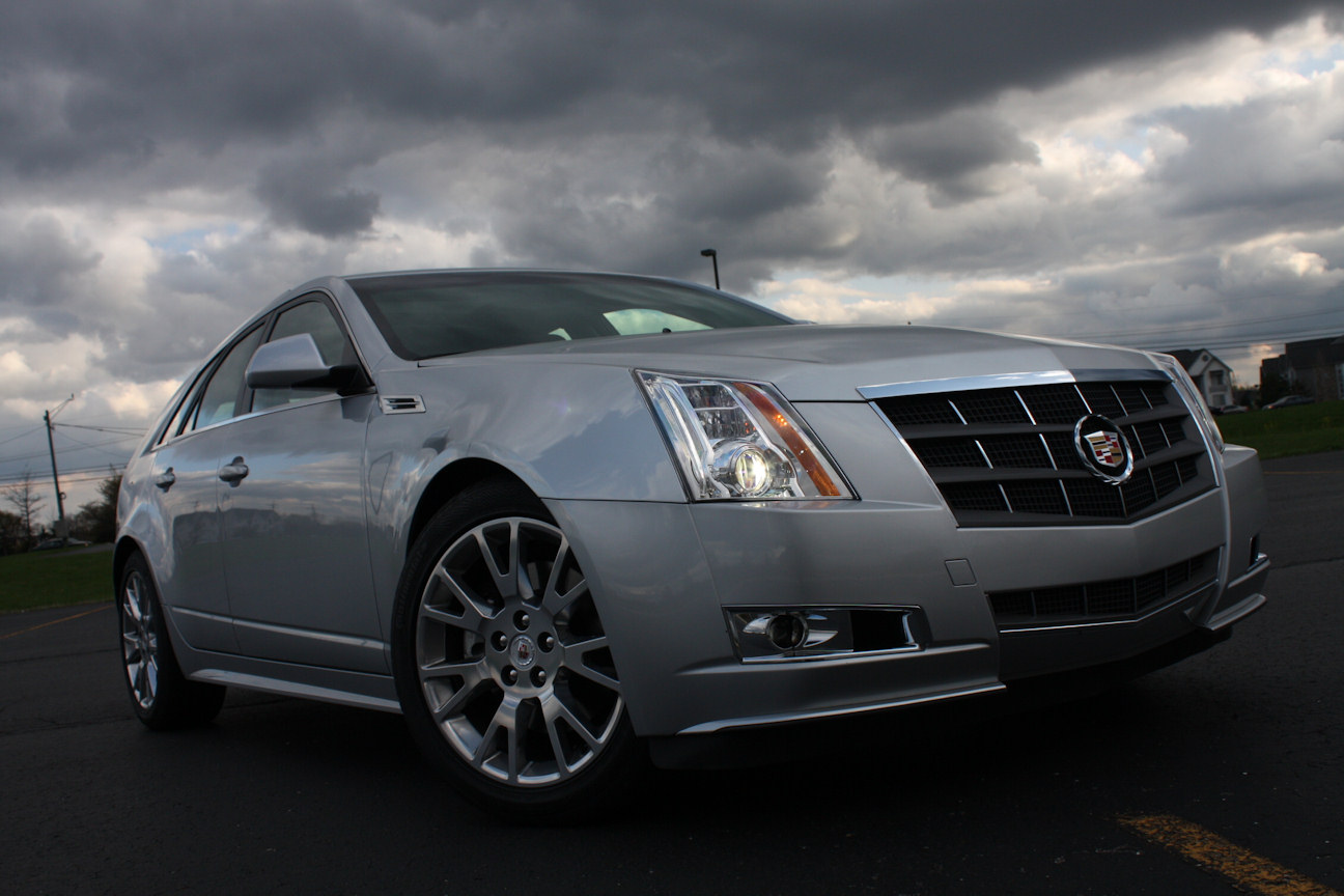 automotive trends 2010 cadillac cts sport wagon. Black Bedroom Furniture Sets. Home Design Ideas