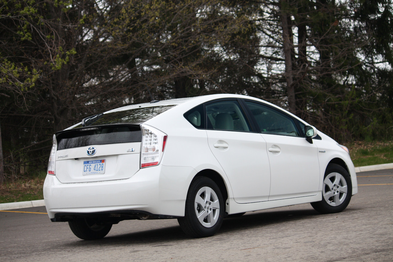 Automotive Trends 187 Video Review 2011 Toyota Prius