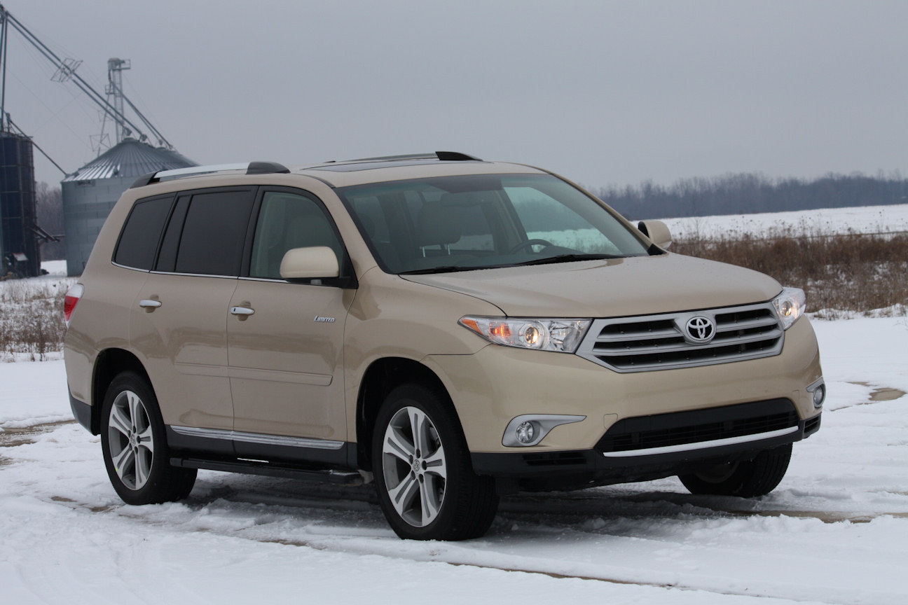 Video Review: 2012 Toyota Highlander Limited