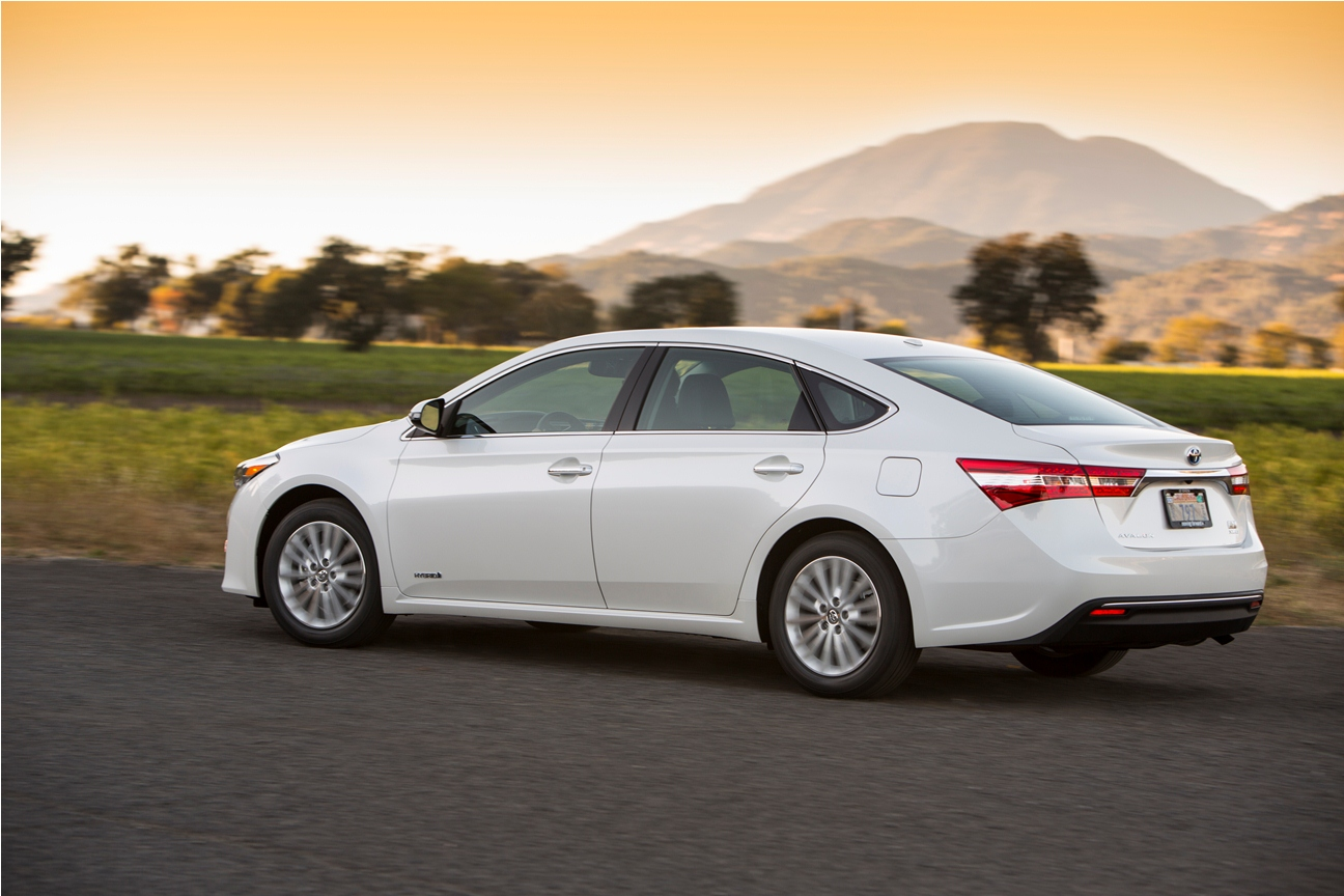 automotive trends  drive  toyota avalon